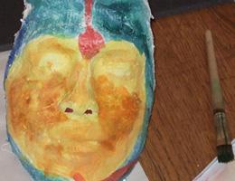 Feel-it.at * Maske als Ergebnis einer Therapiesitzung